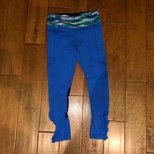Lululemon blue cropped leggings with pockets